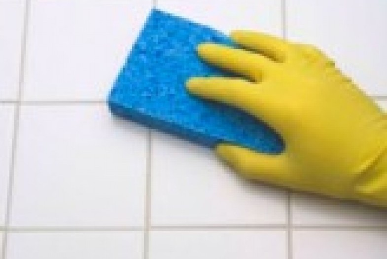 How to clean grout between ceramic floor tiles
